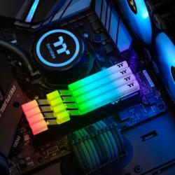 Mem PC TOUGHRAM DDR4 16GB 3600MHz 2x8GB -RGB Black